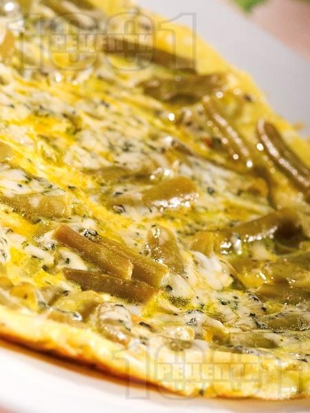 Омлет с яйца, зелен фасул, тиква и синьо сирене на фурна - снимка на рецептата